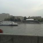 Дебаркадер на набережной в Москве